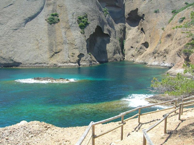 La parc du mugel promenade en bord de mer la ciotat parc national des calanques - Restaurant ile verte la ciotat ...