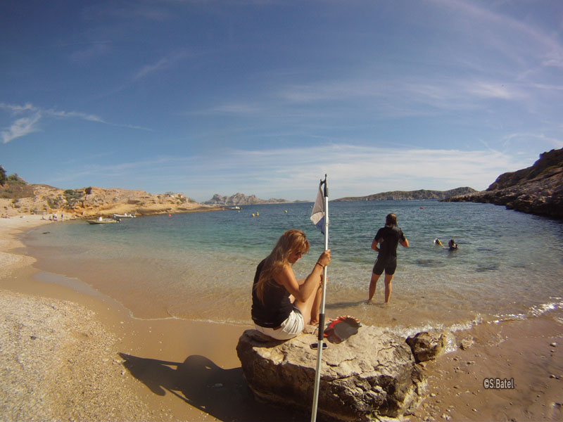 plage-marseilleveyre-calanque-paddleboard