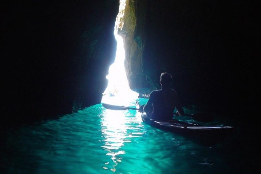kayakcalanques-grotte-bleue-sormiou